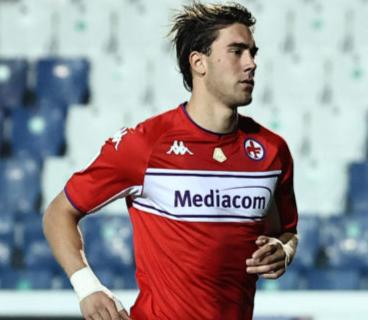 Dortmund target Vlahovic, Haaland's representative
