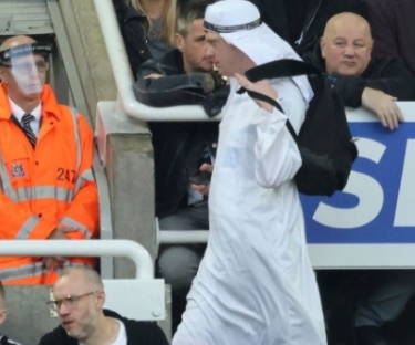 Newcastle United urges fans wearing Arabic imitations